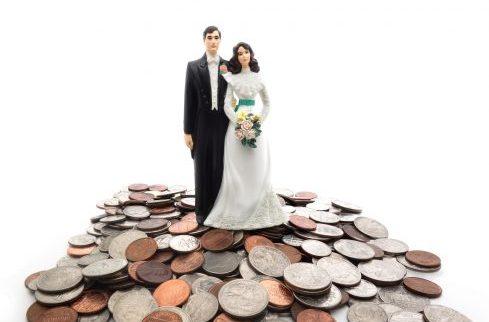 Er will mich nicht heiraten, weil ich verschuldet bin