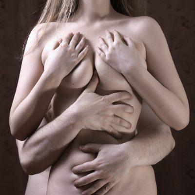 Kneten brüste Brüste kneten