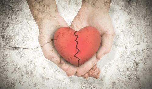 Gebrochenes Herz in Haenden, Liebeskummer