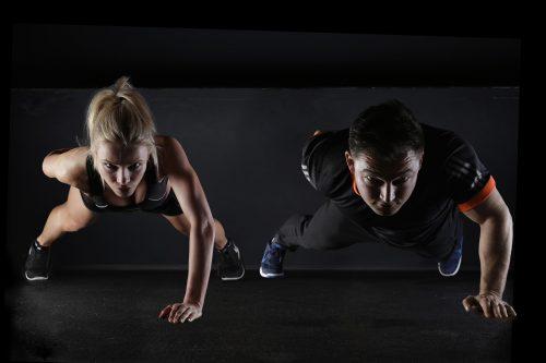 Liegestütz, Konditionstraining, Fitness-Training: Hilft das für besseren Sex?