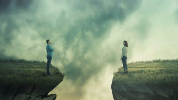 Fernbeziehung: Ich habe Angst, sie ganz zu verlieren, da ich so weit weg bin