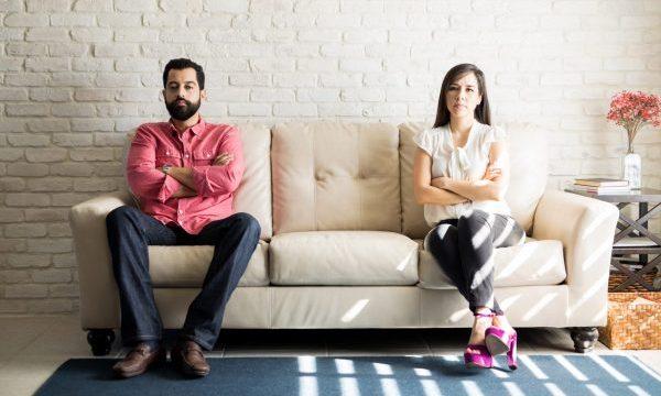 Sollen wir unsere Beziehungskrise aussitzen oder auf Abstand gehen?