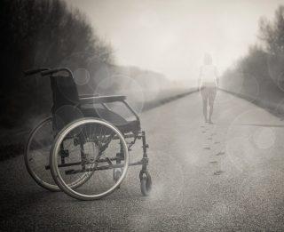 querschnittgelaehmt im Rollstuhl, will wieder gehen!