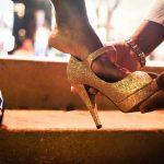 Ich bin Schuhfetischist, ich liebe den Anblick und den Geruch ihrer Schuhe (Pumps, Stilettos)