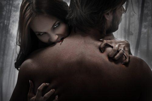 Nicht jeder Mann steht darauf, wenn eine Frau ihn beißt und kratzt