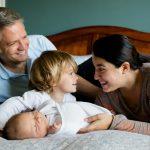 Mutter, Vater, Sohn, Tochter - seit der Geburt der Kleinen habe ich Mutter-Stress