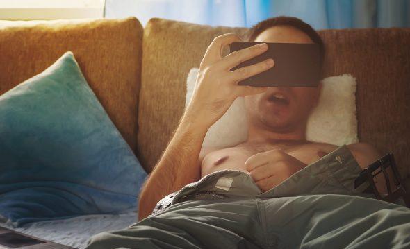 Er kann Hardcore-Pornos und Telefonsex nicht lassen, ich zweifle an seiner Liebe